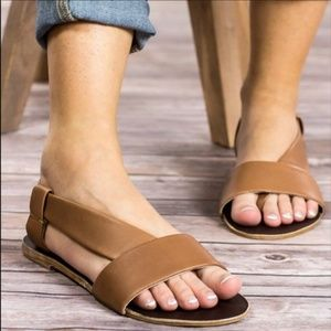 Free People 🌿 41 Under Wraps taupe Sandal beat up